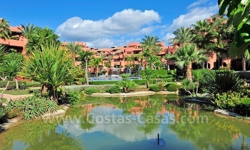Luxury apartment for sale in an exclusive beachfront complex between Marbella and Estepona centre