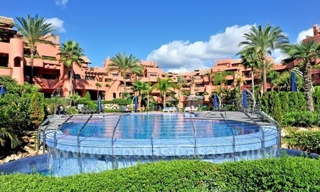 Luxury apartment for sale in an exclusive beachfront complex between Marbella and Estepona centre 1