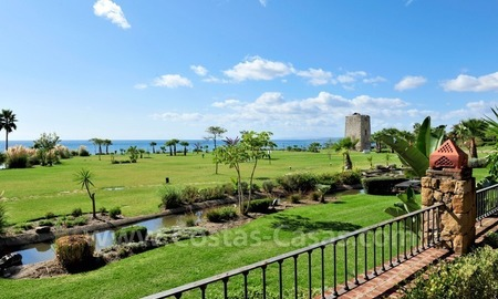 Luxury apartment for sale in an exclusive beachfront complex between Marbella and Estepona centre 2