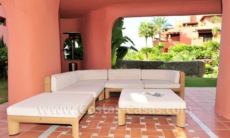 Luxury apartment for sale in an exclusive beachfront complex between Marbella and Estepona centre 8