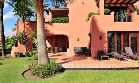 Frontline beach luxury apartment for sale in an exclusive beachfront complex between Marbella and Estepona 3