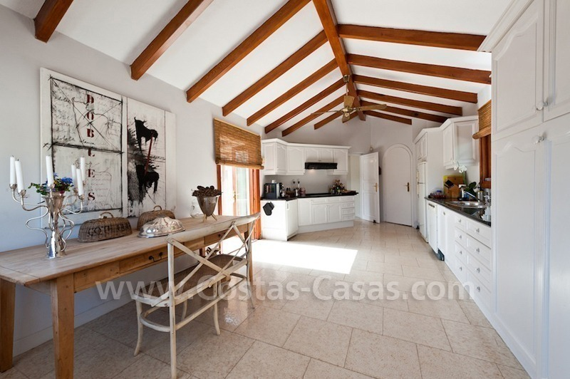 Cozy rustic styled villa to buy in the area of Marbella - Benahavis 8
