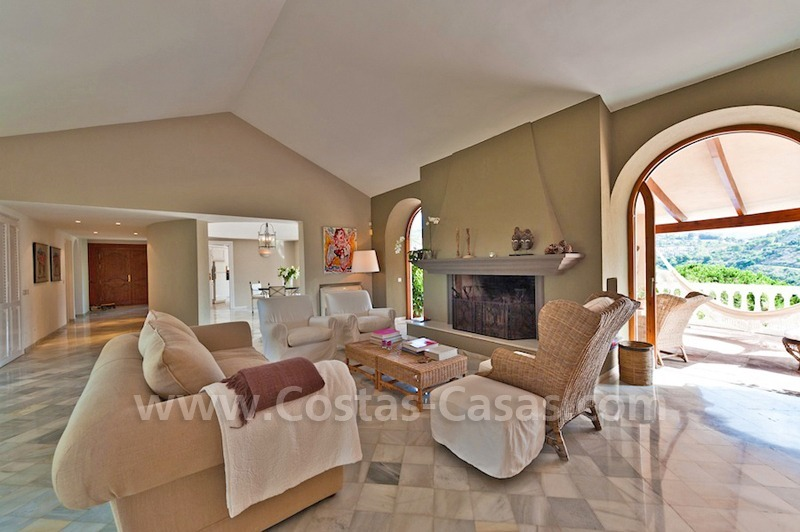 Cozy rustic styled villa to buy in the area of Marbella - Benahavis 4