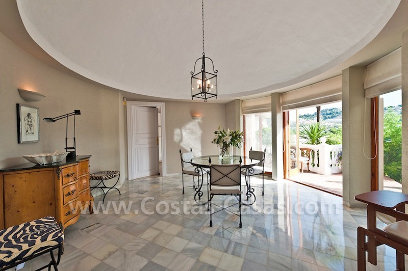 Cozy rustic styled villa to buy in the area of Marbella - Benahavis 6