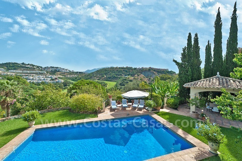 Cozy rustic styled villa to buy in the area of Marbella - Benahavis