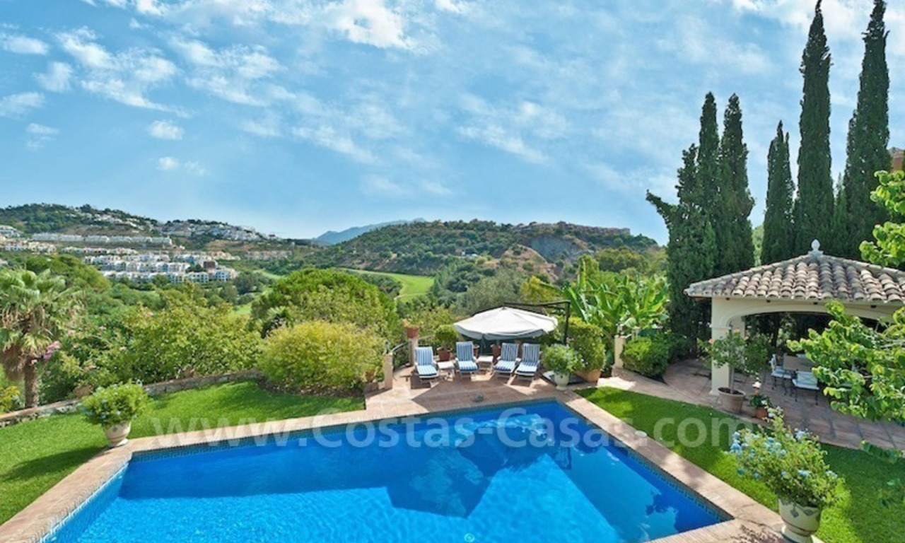 Cozy rustic styled villa to buy in the area of Marbella - Benahavis 0