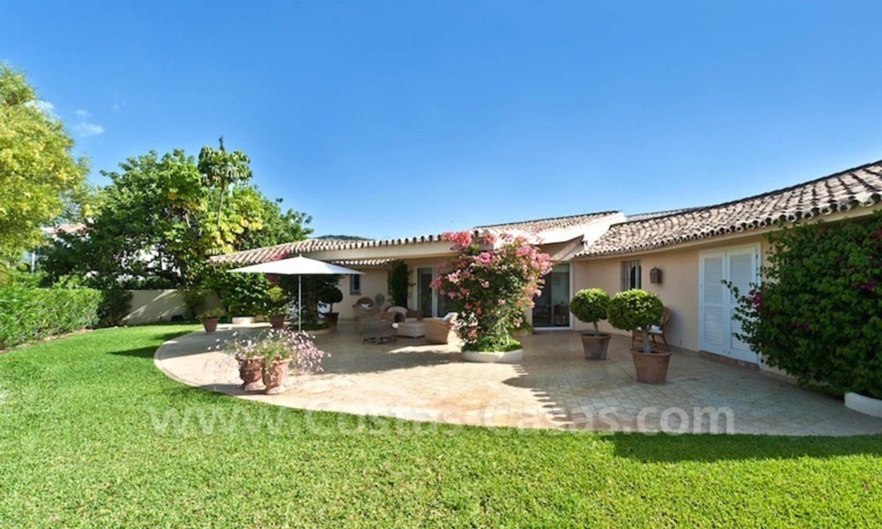 Cozy rustic styled villa to buy in the area of Marbella - Benahavis 2