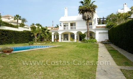 Bargain Andalusian style detached villa to buy in West Marbella 2