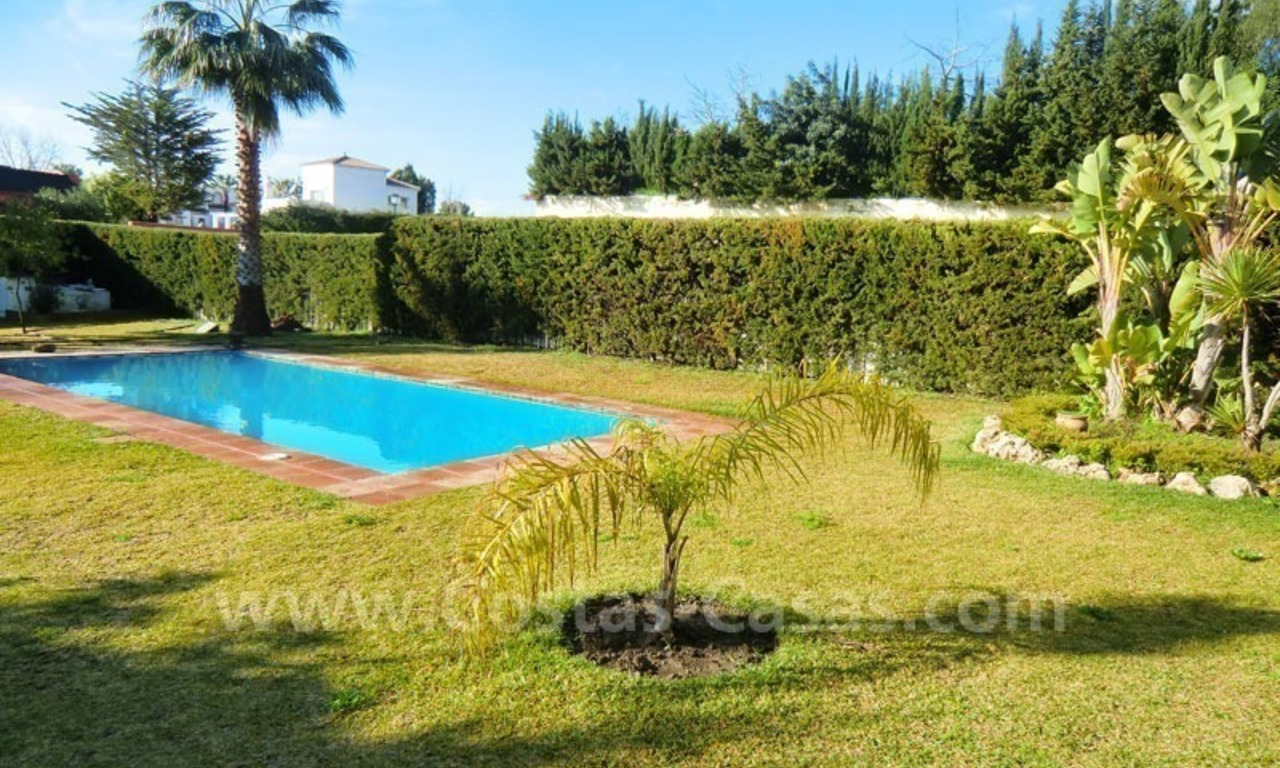 Bargain Andalusian style detached villa to buy in West Marbella 3
