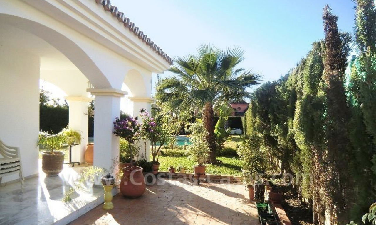 Bargain Andalusian style detached villa to buy in West Marbella 4