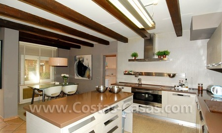 Rustic villa for sale on the Golden Mile in Marbella 19