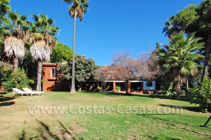 Rustic villa for sale on the Golden Mile in Marbella 2