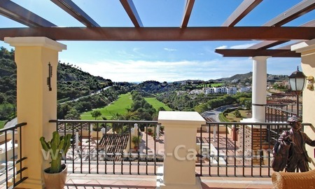 Bargain penthouse apartment for sale in a gated first line golf complex, Marbella – Benahavis 3