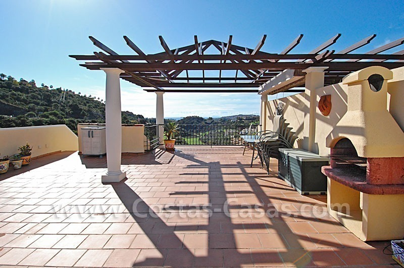 Bargain penthouse apartment for sale in a gated first line golf complex, Marbella – Benahavis 2