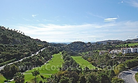 Bargain penthouse apartment for sale in a gated first line golf complex, Marbella – Benahavis 0