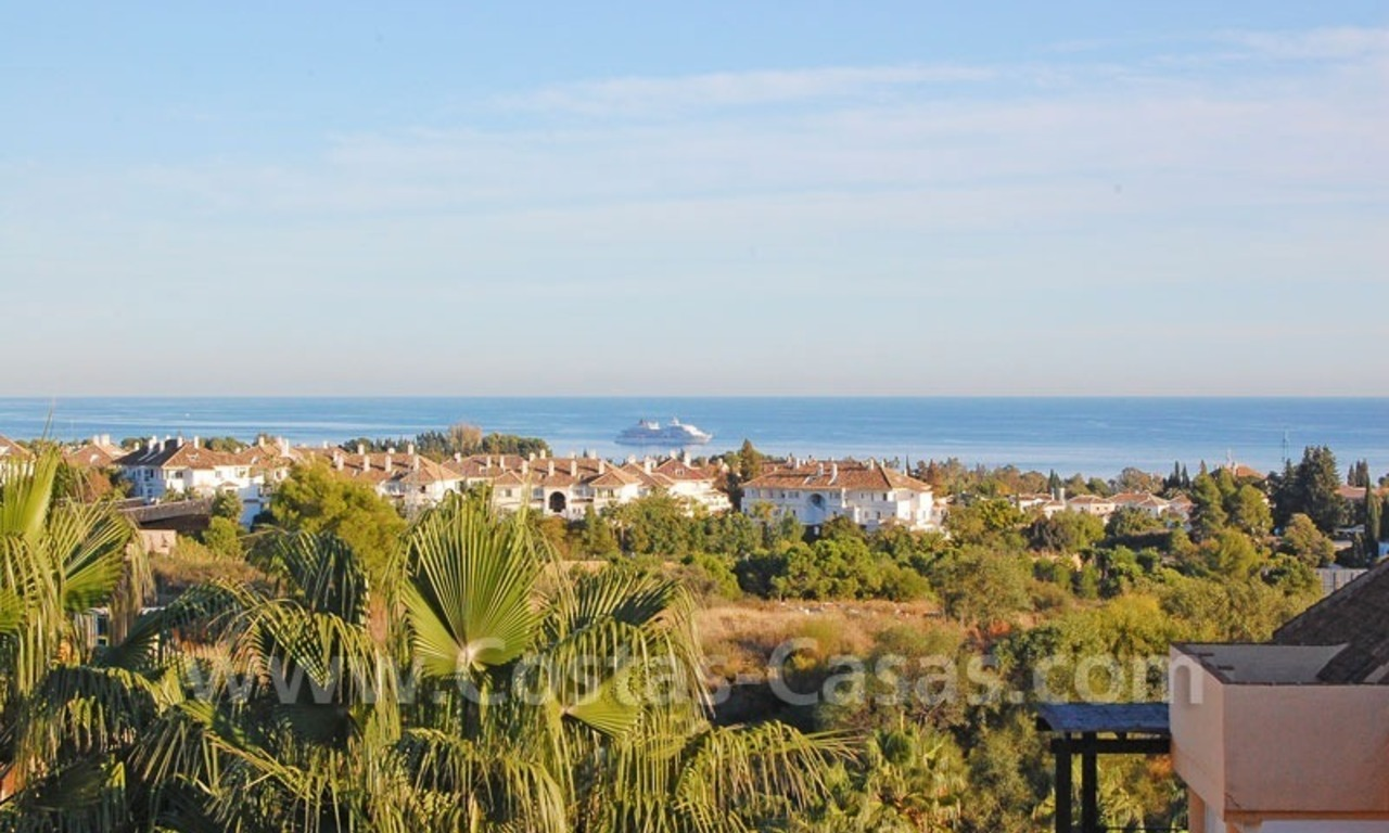 Bargain spacious duplex penthouse for sale on the Golden Mile in Marbella 0