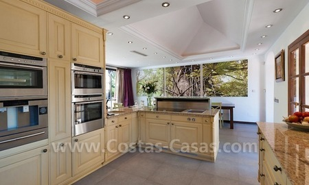 Luxury villa for sale in an exclusive gated golf community in Marbella – Benahavis 7
