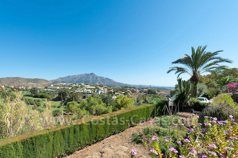 Luxury villa for sale in an exclusive gated golf community in Marbella – Benahavis 5