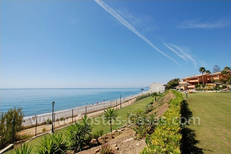 Beachfront house for sale frontline beach Estepona Costa del Sol