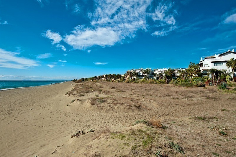 Apartments for sale, in Costalita, New Golden Mile, between Marbella and Estepona town