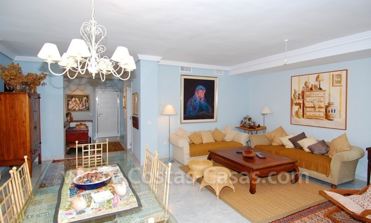 Beachfront townhouse for sale in Marbella 3