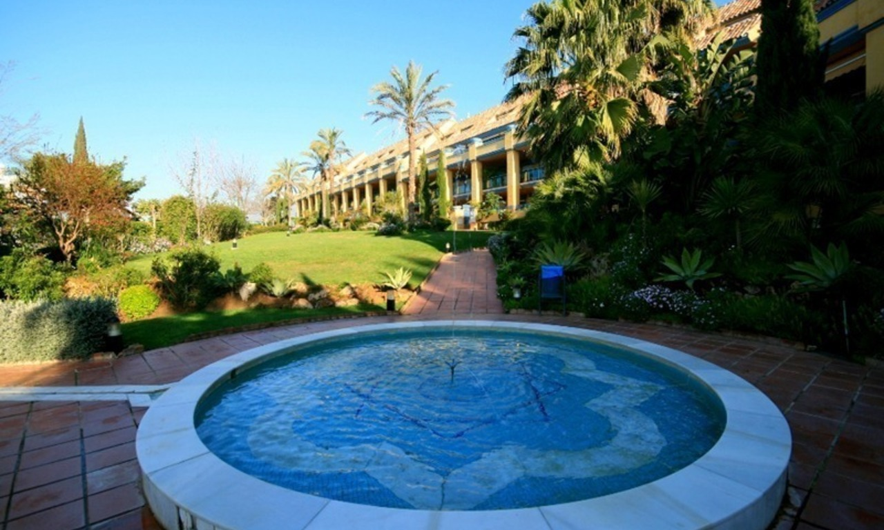 Beachside spacious 4 bedroom garden apartment for sale in Marbella east 14