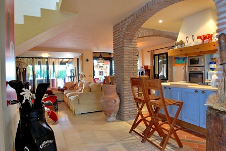 Cozy semi-detached house for sale in beachside San Pedro – Marbella 5
