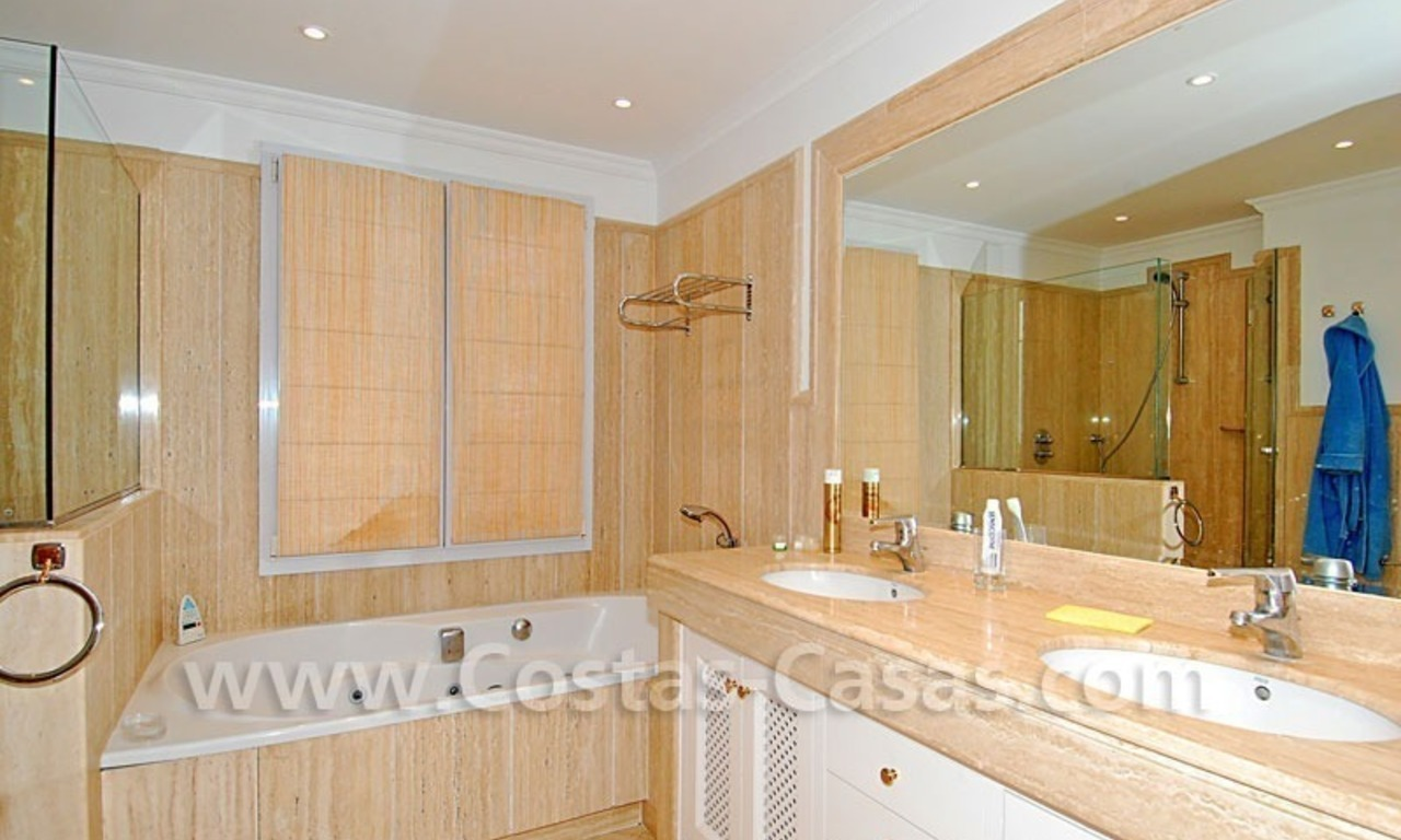 Spacious luxury apartment for sale in Nueva Andalucia, Marbella 10