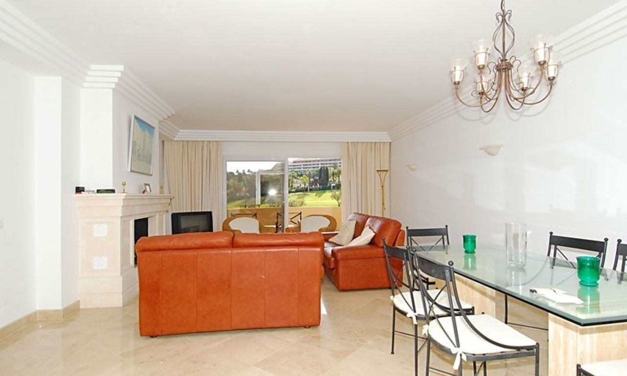 Spacious luxury apartment for sale in Nueva Andalucia, Marbella 6