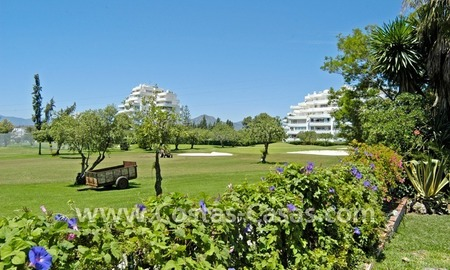 Frontline golf villa for sale in Marbella 2
