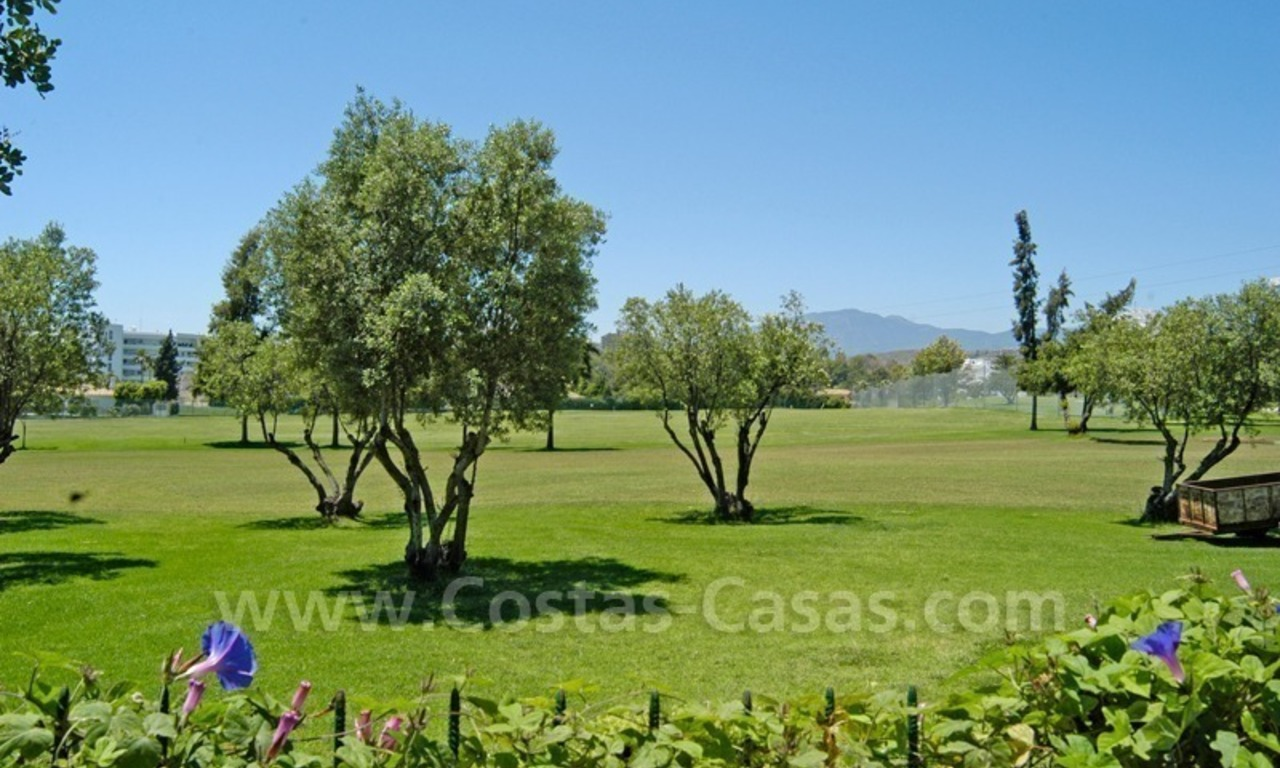 Frontline golf villa for sale in Marbella 1