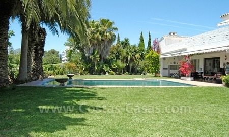 Frontline golf villa for sale in Marbella 3