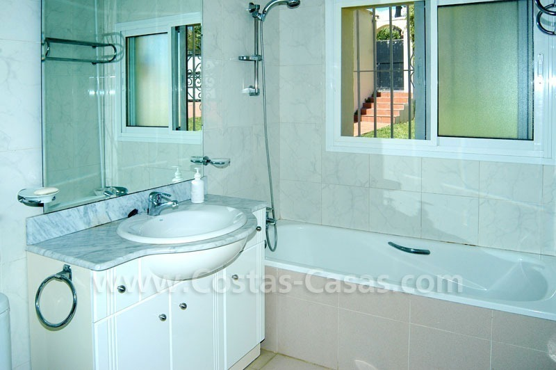 Bargain renovated detached villa for sale in Marbella 17