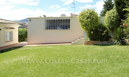 Bargain renovated detached villa for sale in Marbella 9