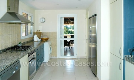 Bargain renovated detached villa for sale in Marbella 13