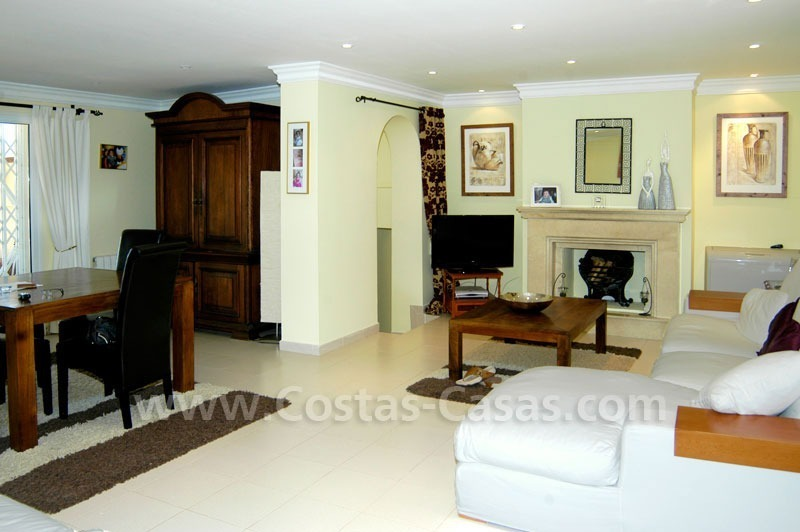 Bargain renovated detached villa for sale in Marbella 12
