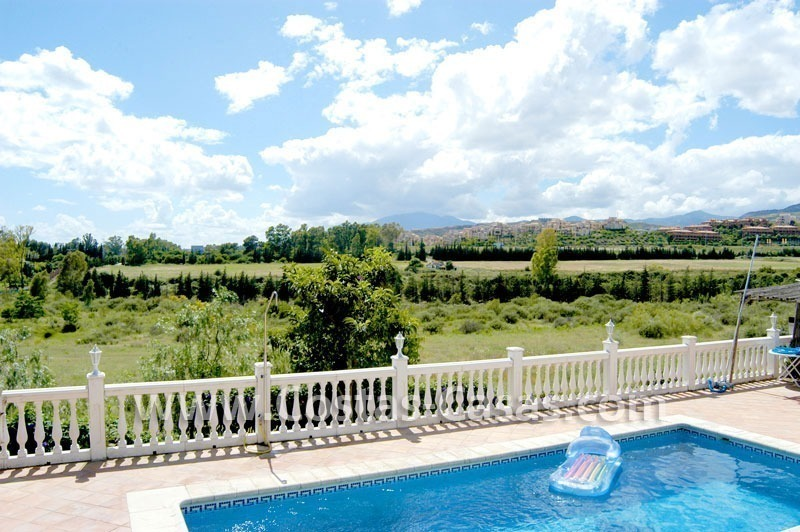 Bargain renovated detached villa for sale in Marbella