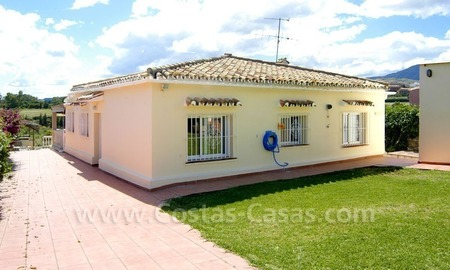 Bargain renovated detached villa for sale in Marbella 6