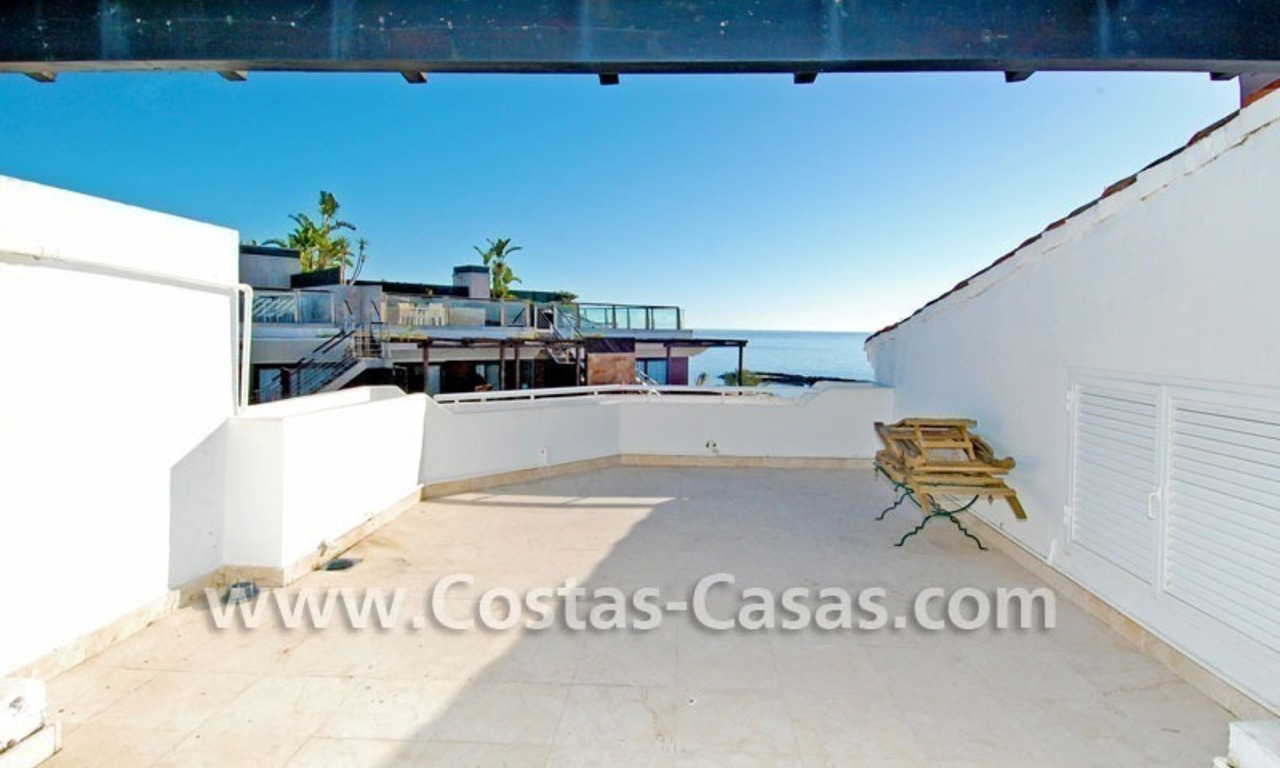 Beach front luxury penthouse apartment to buy in Puerto Banus – Marbella 1