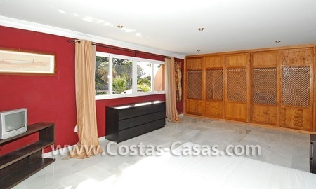 Bargain andalusian styled villa nearby the beach for sale in Marbella 12