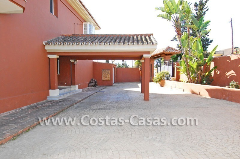 Bargain andalusian styled villa nearby the beach for sale in Marbella 6