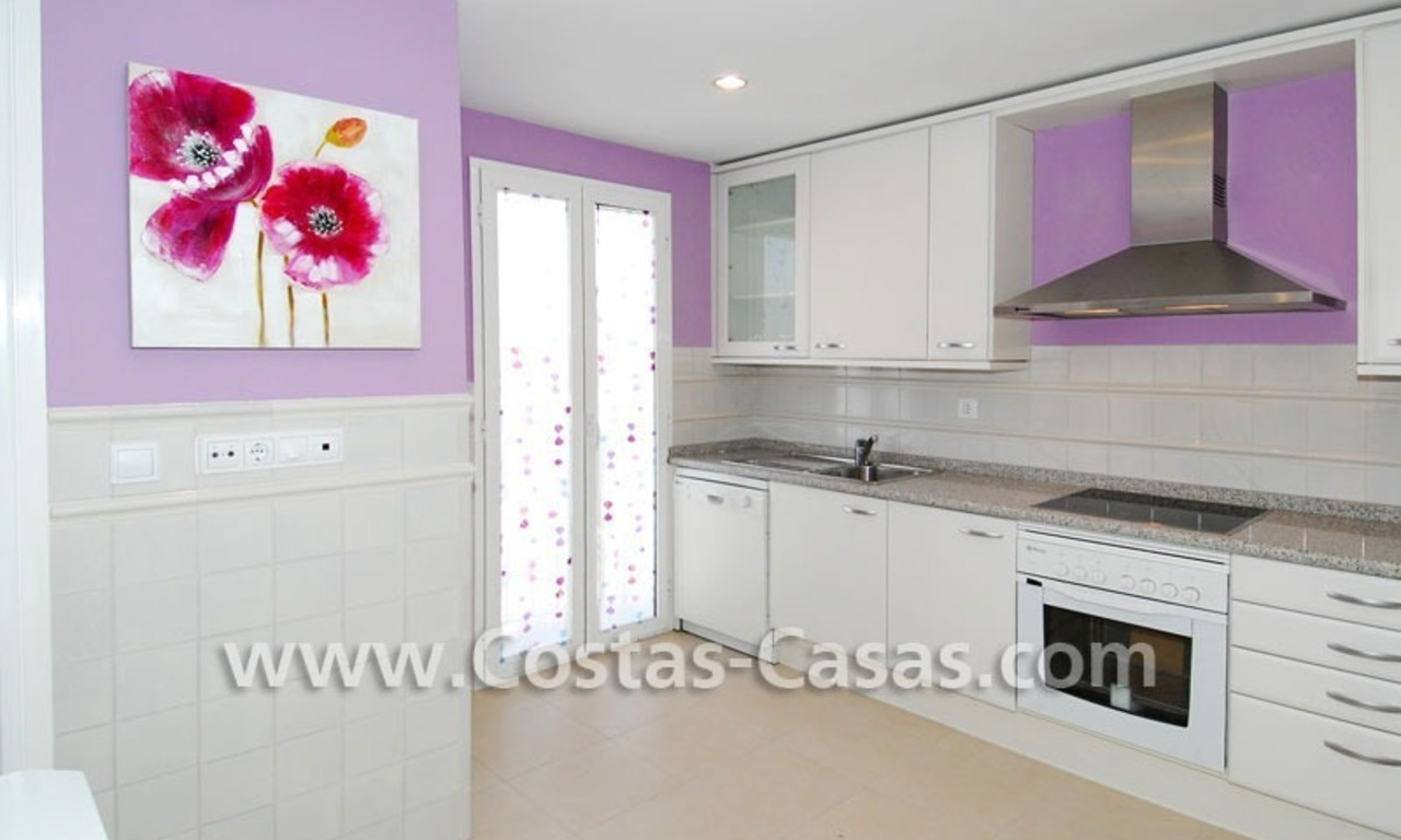 Cozy apartments and penthouses close to the beach to buy in Marbella 9