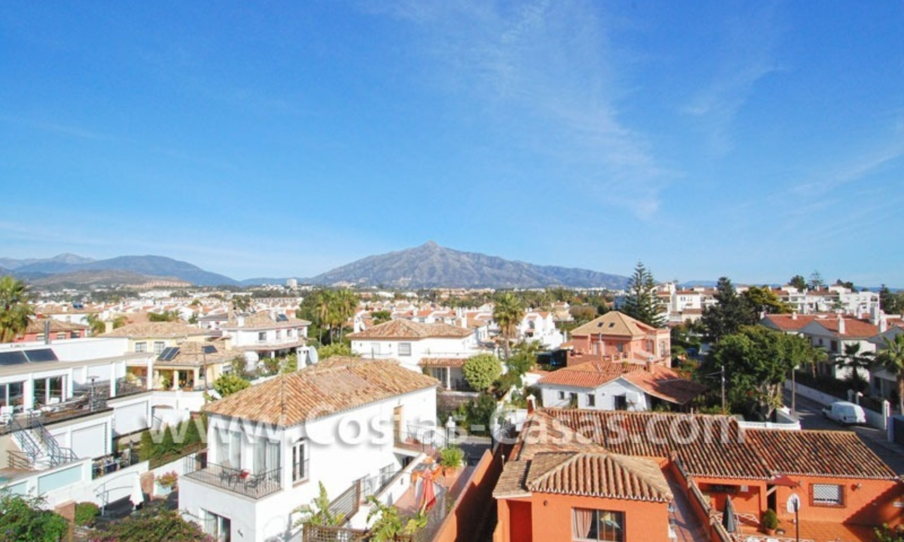 Cozy apartments and penthouses close to the beach to buy in Marbella 6