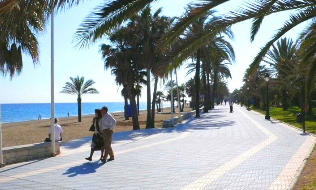 Cozy apartments and penthouses close to the beach to buy in Marbella 15