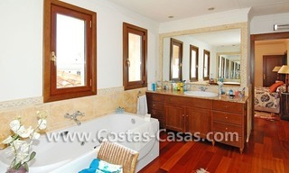 Andalusian style detached villa to buy in a golf resort, New Golden Mile - Marbella - Benahavis - Estepona 17