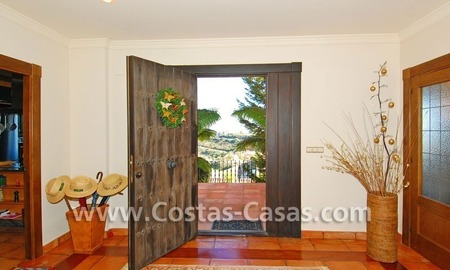 Andalusian style detached villa to buy in a golf resort, New Golden Mile - Marbella - Benahavis - Estepona 4