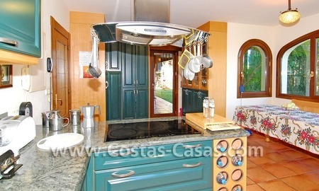 Andalusian style detached villa to buy in a golf resort, New Golden Mile - Marbella - Benahavis - Estepona 9