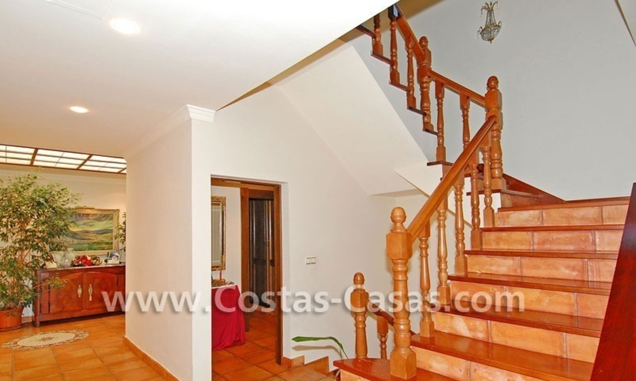 Andalusian style detached villa to buy in a golf resort, New Golden Mile - Marbella - Benahavis - Estepona 11
