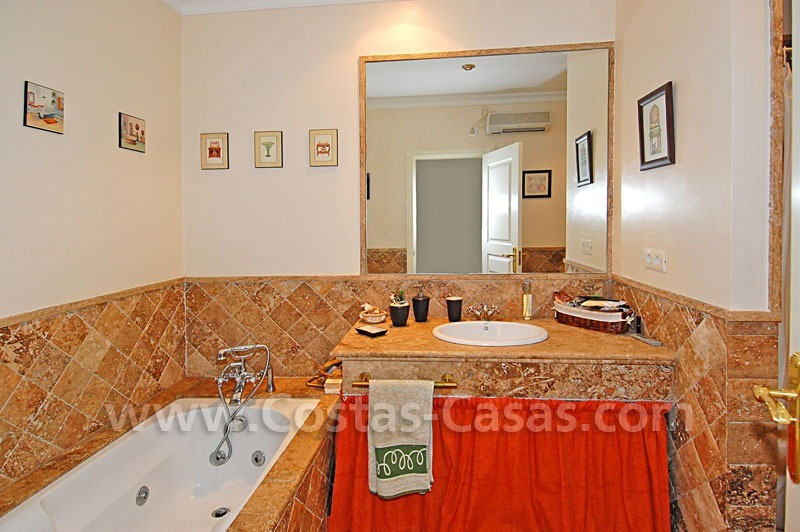 Spacious townhouse for sale in Estepona – Marbella 14