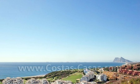 Bargain Luxury frontline golf and first line beach apartments for sale at the Costa del Sol 9